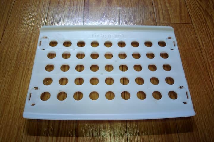 ダイソーのお皿スッキリラックの画像